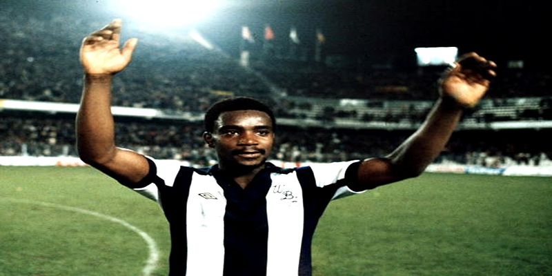 Sport, Football, Spain, UEFA Cup, Third Round First Leg, 22nd November 1978, Valencia 1 v West Bromwich Albion 1, West Bromwich Albion goalscorer Laurie Cunningham celebrates at the end of the match (Photo by Bob Thomas/Getty Images)